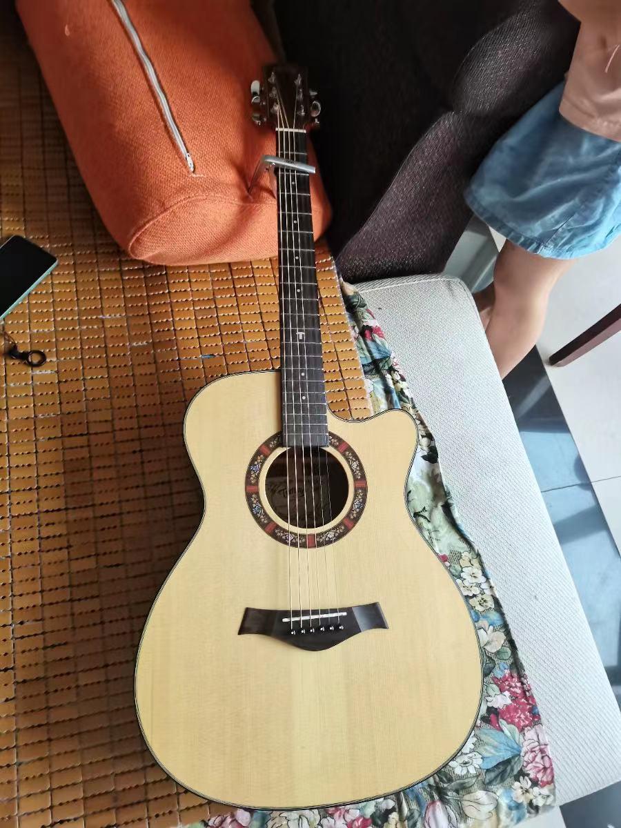 【出售】全新吉他2500元转让。